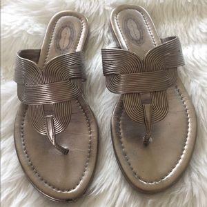 ✨ Elie Tahari silver sandals ✨